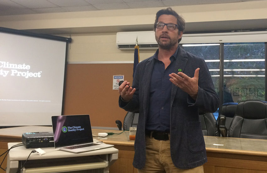Tim Guinee at the 100% Renewables Community Forum